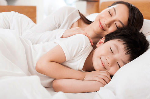 """娃睡前30分钟,是变聪明""""黄金期"""",父母要多做3件事抓住机会"""