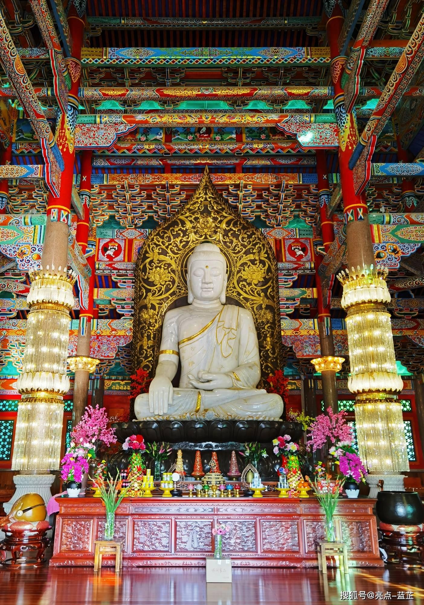 了不起的梅山寺,拥有两个国内之最——石质山门、缅甸白玉佛像  第6张