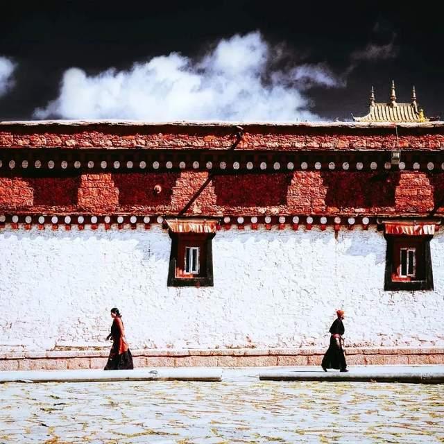 """原创             央视为他颁奖,寻找绝美""""出轨""""雪峰,108天转遍藏区8大神山"""