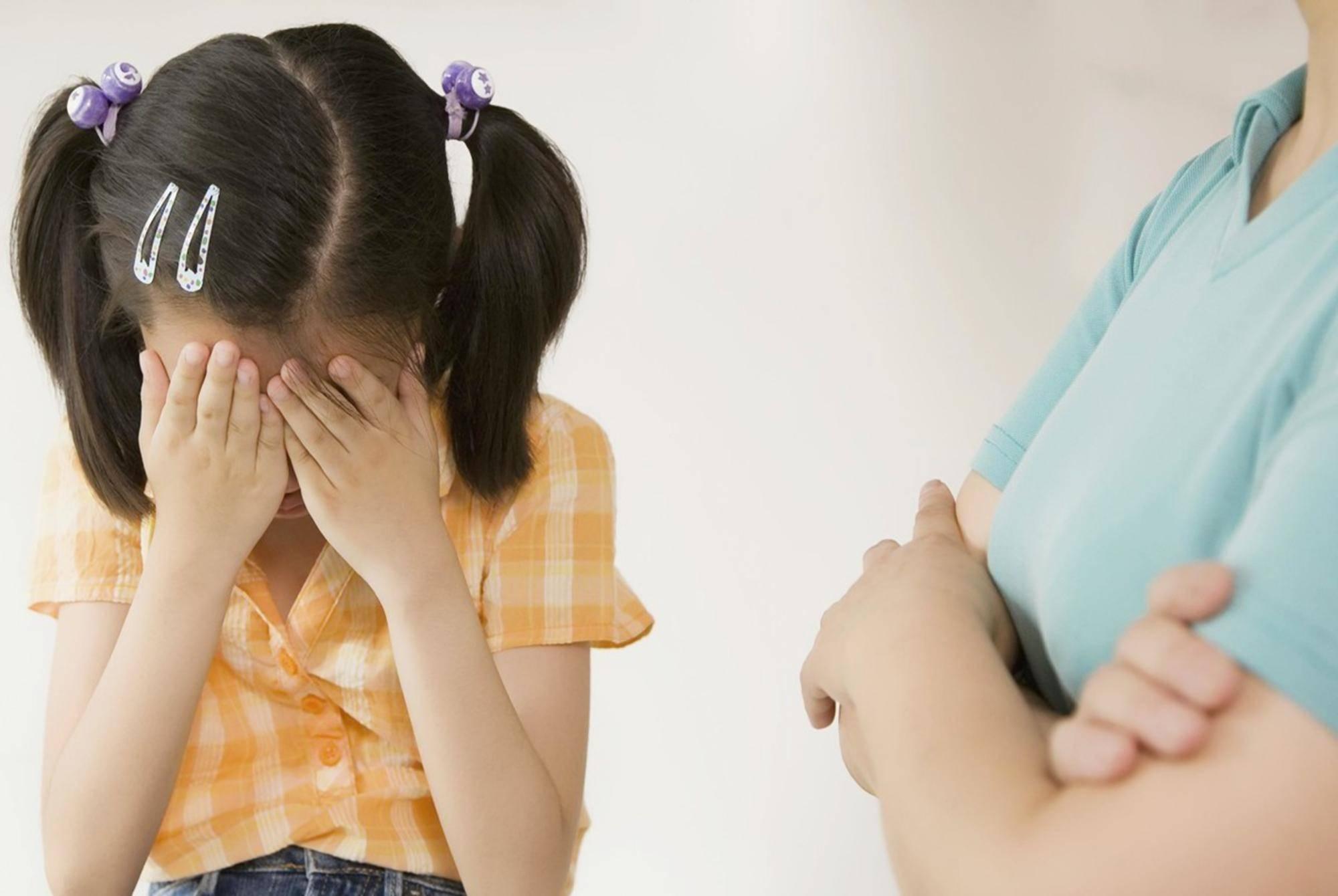 父母陪睡导致性早熟?事关孩子健康不得不防,了解一点便知真相
