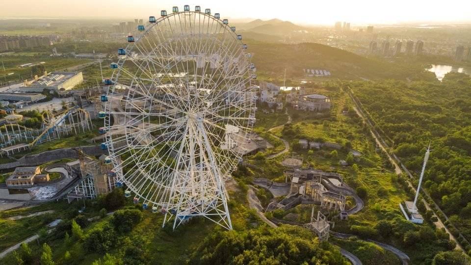 原创             堪称亚洲最大的游乐场,春节期间人气爆棚,为何商家没挣到一分钱