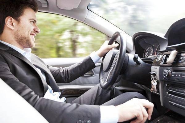 原创驾驶是男人的浪漫!但是很容易腰酸背痛。可能这三点还不够好