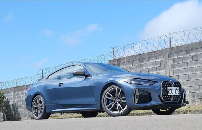 原装全新宝马M4测:3.0T加速6秒,无框门车型最厉害!
