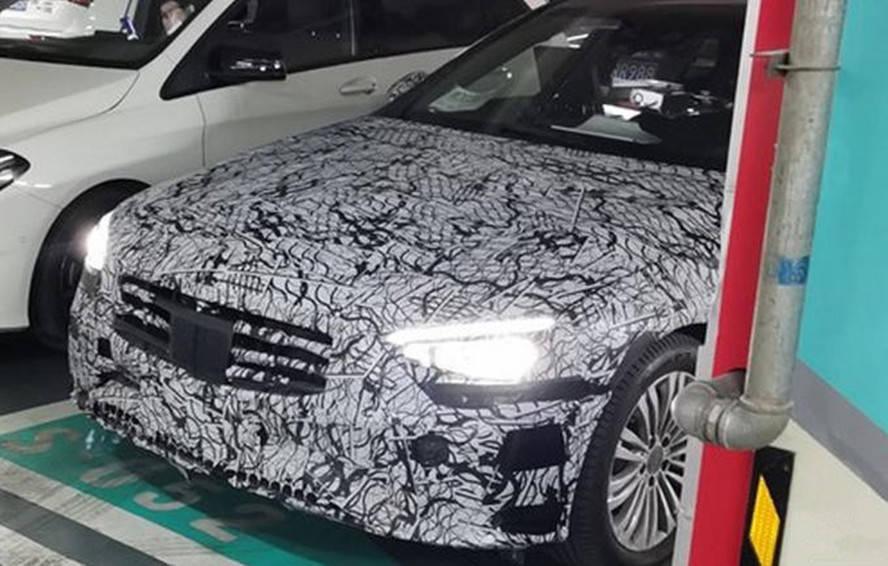 原国产新奔驰c间谍照片曝光,为豪华车型,有望在上海车展亮相