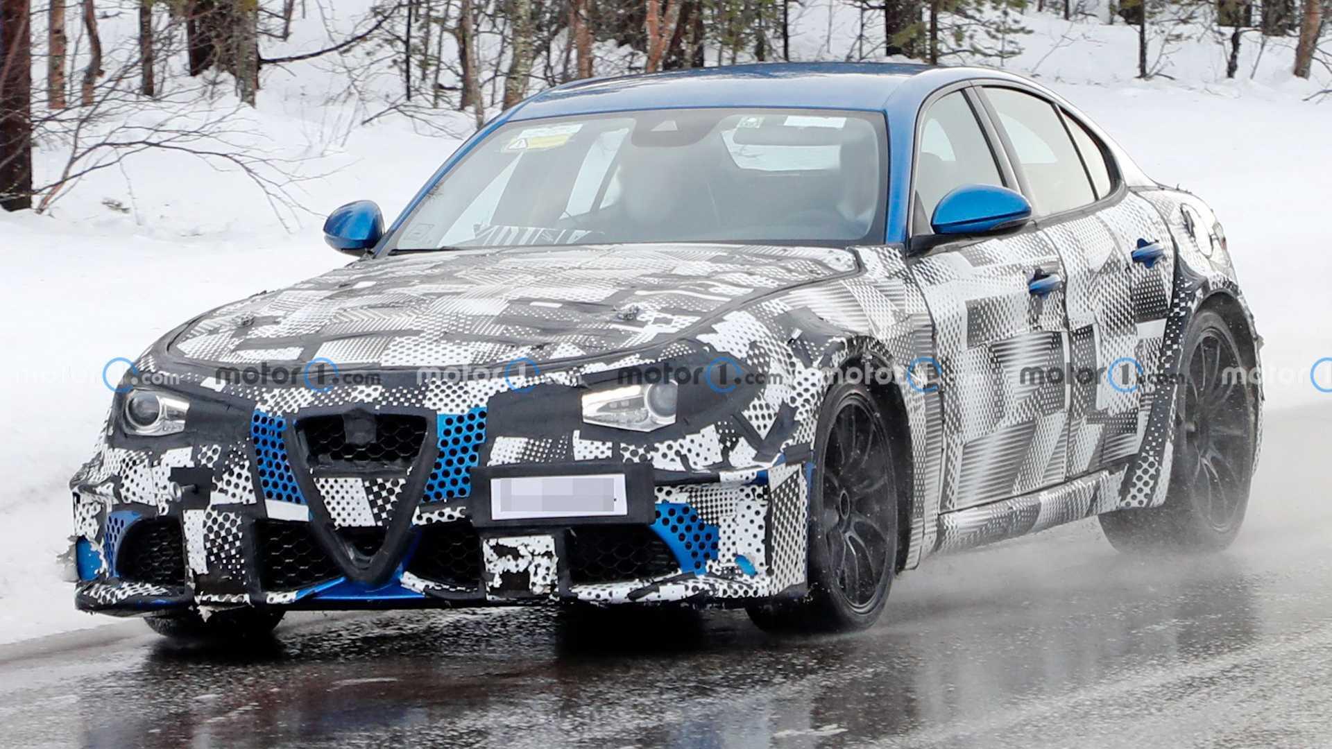 虽然原车前脸很长,但GT的本质很难隐藏,新款玛莎拉蒂GT暴露在间谍照片下