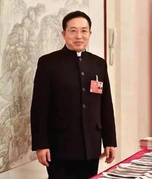 政协委员朱征夫:建议停止公开征集嫌疑人犯罪线索