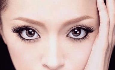 心理测试:哪双眼睛更像你,测出你今生会是什么命格!