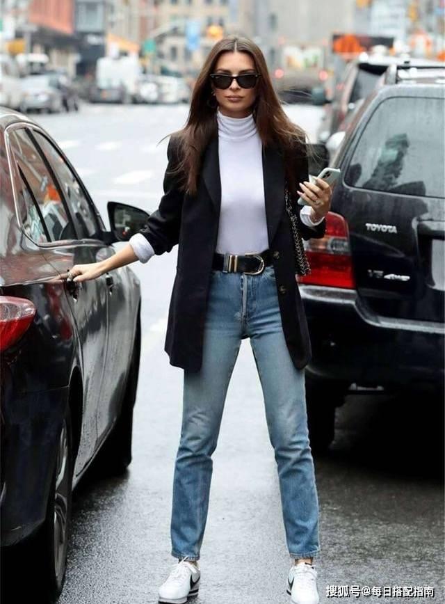 基础款牛仔裤怎么穿才时髦?这几个挑选搭配技巧很实用,值得收藏
