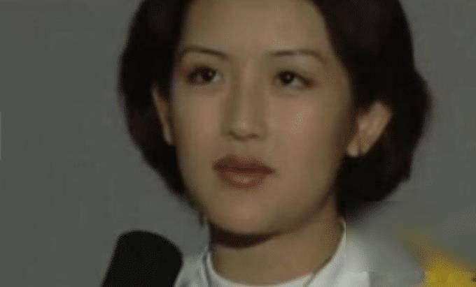 谢娜22年前青涩照流出,满脸的胶原蛋白,网友:果然是川妹子!