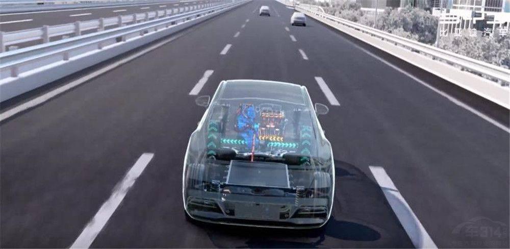 宋PLUS DM-i正式上市 为啥这台车会是王朝梦的关键