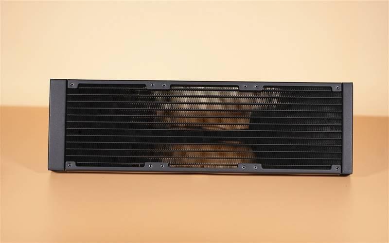透明ARGB冷头够骚气!酷冷至尊冰神G360幻境评测的照片 - 7