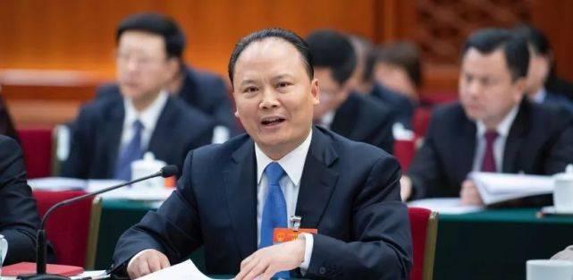 """农夫山泉钟睒睒以689亿美元身价成全球食品行业和全球华人""""双料首富"""""""