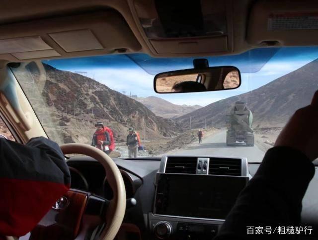 """现在出门旅游,为什么""""聪明人""""不自驾游了,老司机:傻瓜才开车"""