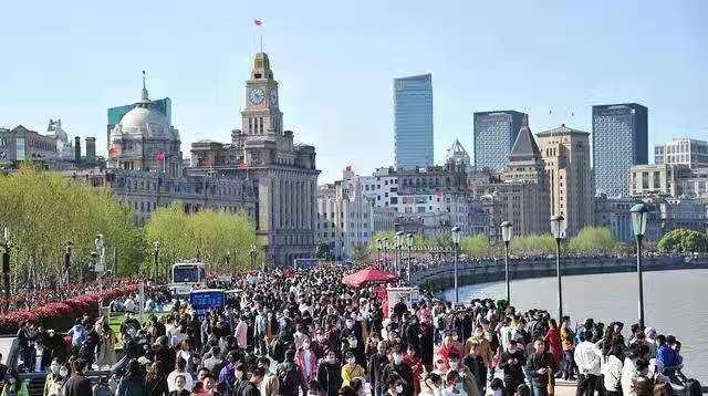 接吻旅游:清明节是年后第一个小型旅游高峰,国内旅游超过1亿次