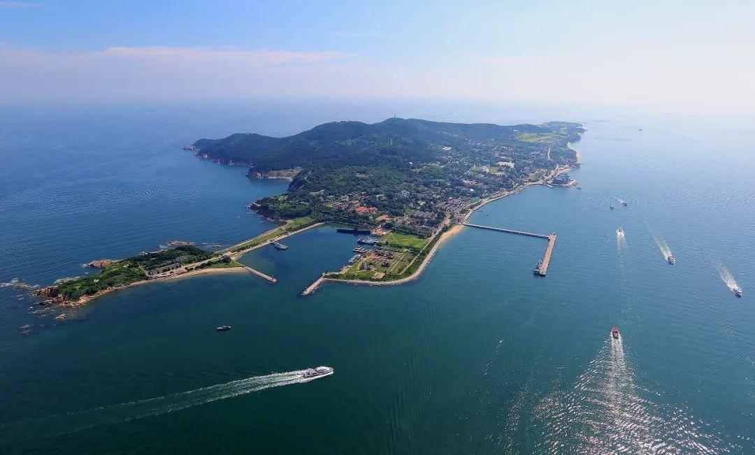 山东一个岛屿,是威海市海上天然屏障,是5A级景区