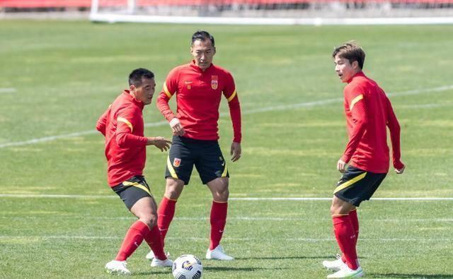 去英超!国足主帅李铁透露目标,将先带国足打进世界杯!