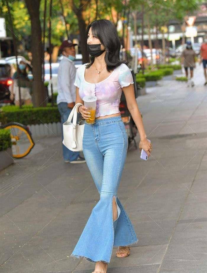 时尚美女,牛仔喇叭裤穿出最拉风的美