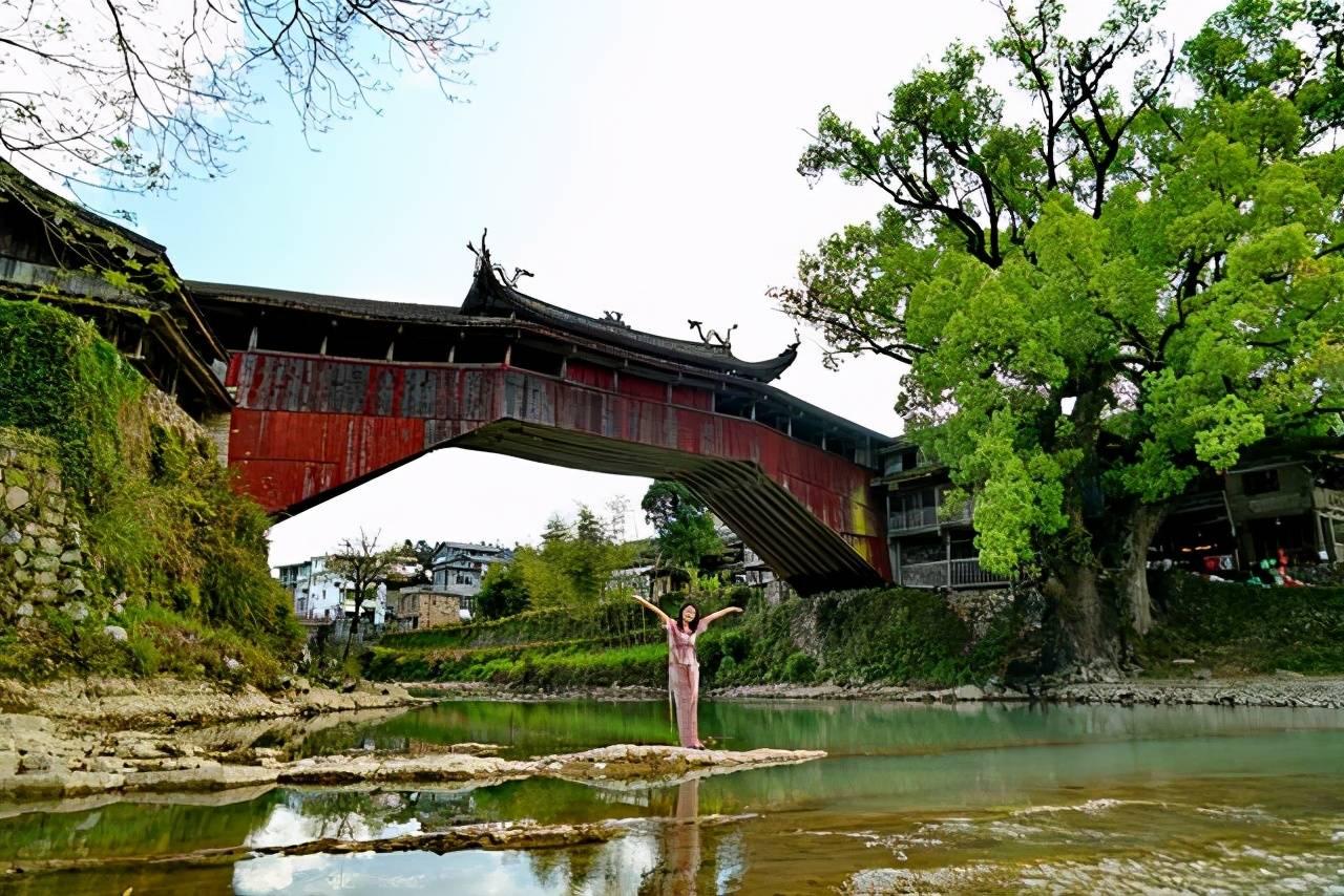 原创             浙江南部山城,没有热闹繁华有的尽是淳朴气息,适合春日慢游