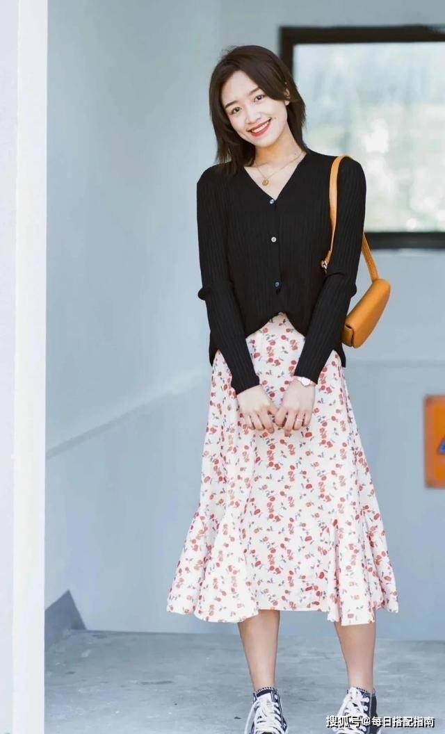 【春天針織衫怎么搭更好看】學會挑選搭配很關鍵,優雅又時髦