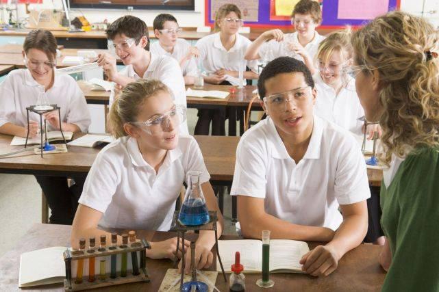高三学生申请美国留学,需做好怎样的规划?