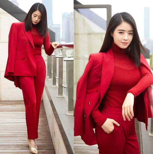 原创             蒋欣新剧身材被吐槽!穿红色连衣裙显壮实,但实际衣品很在线