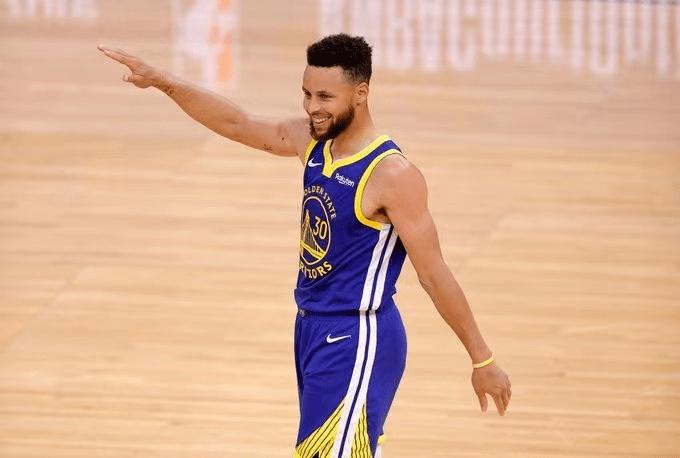 原创             狂胜38分!勇士制造NBA惨案,库里不在乎得分王,只想超越汤普森