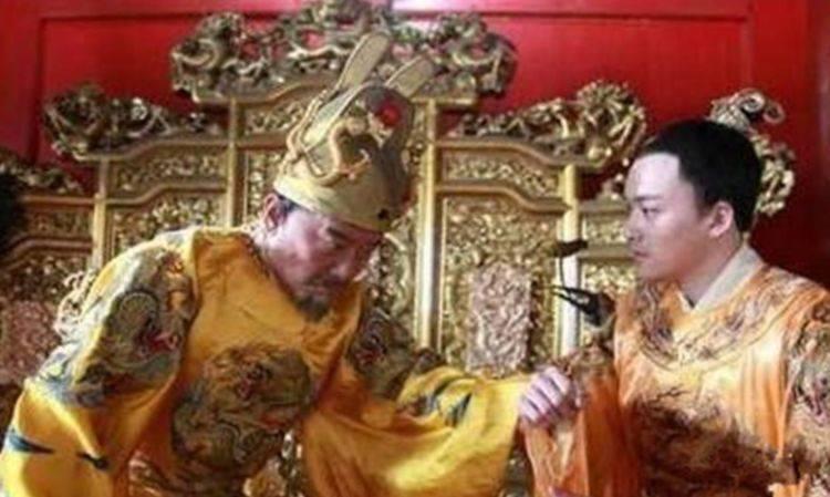 朱棣入宫第一件事先杀尽宫中美女 为何不着急登基?