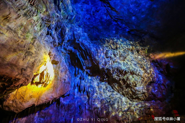 原创             杭州藏着一座地下溶洞仙境,存在有10万年,被誉为全国诸洞之冠