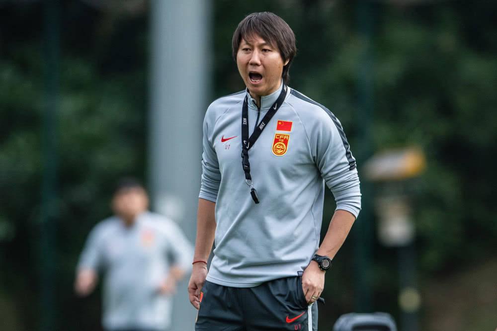 中超揭幕战李铁最大收获,有他在国足世预赛稳了!
