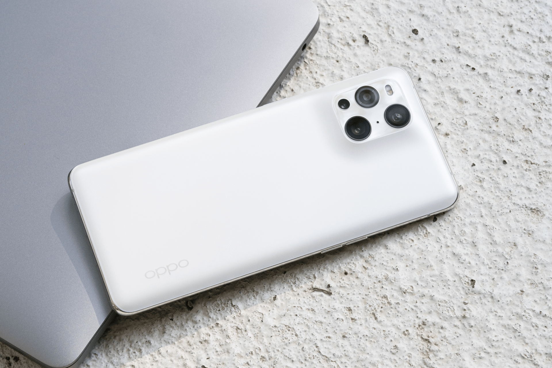 电池容量越大续航越长?外媒实测:小米11 Ultra不敌Find X3 Pro