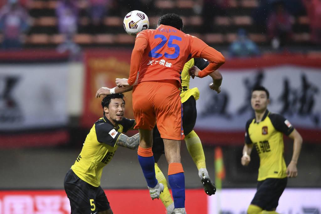 粤媒:广州队毕竟有八冠王底蕴 放低姿态将绝杀奉还对手