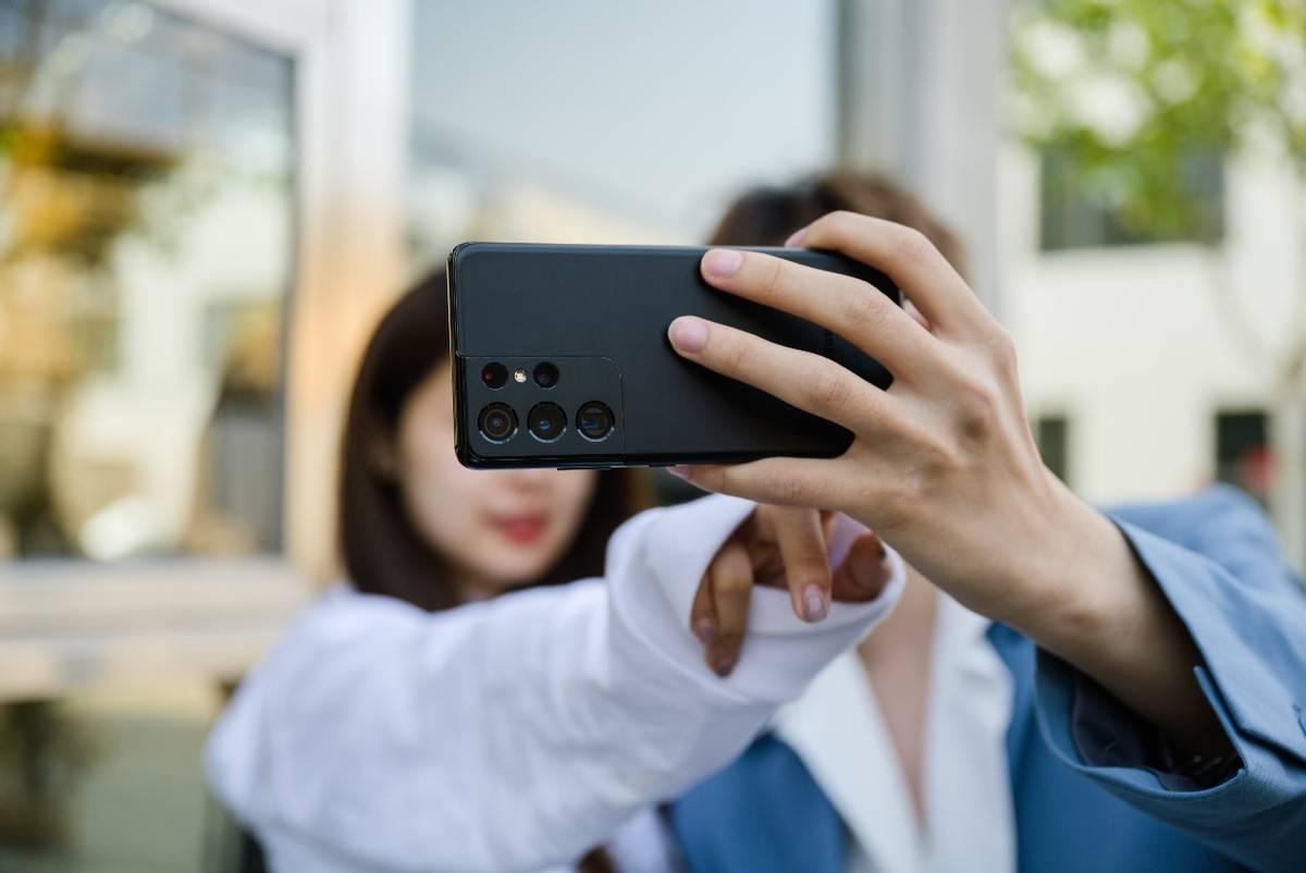 人人人人人的五一,Galaxy S21系列手机让你景区拍出绝美硬照