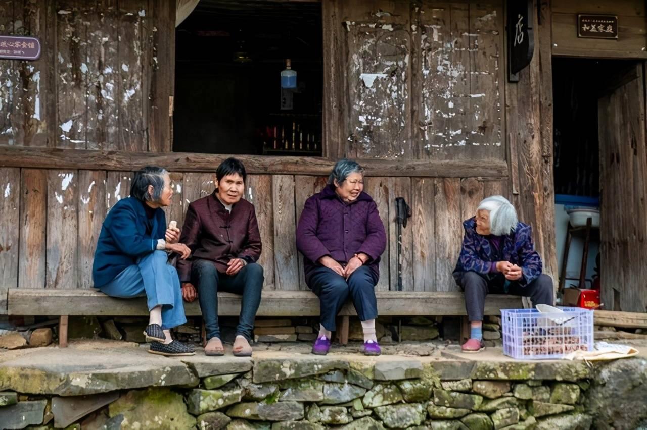 满是石屋建筑的村庄:宁海许家山石头村,超适合周末去隐居度假!