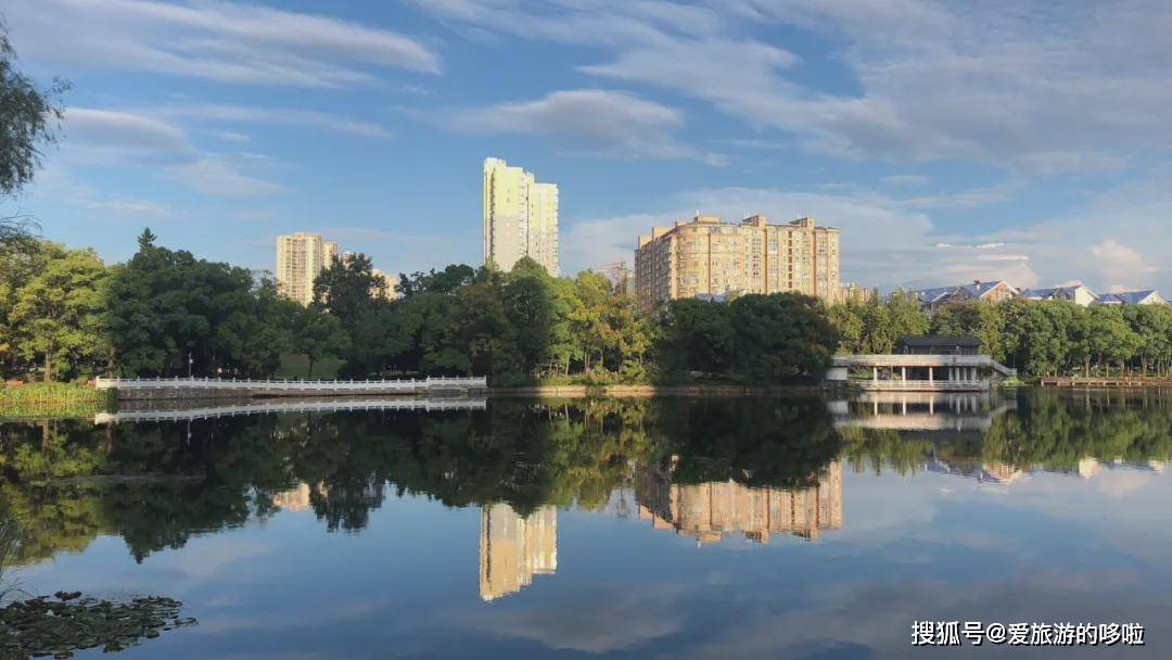 《向往的生活》第五季回归!这座城市比湘西清静,比长沙好吃!