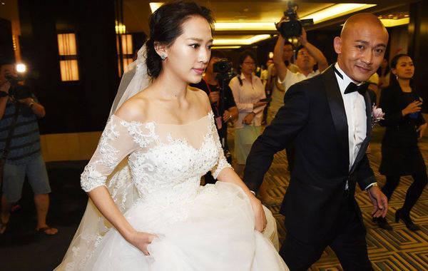 为了追星她考上中戏,如愿以偿嫁给了偶像,如今被宠成小公主!  第2张