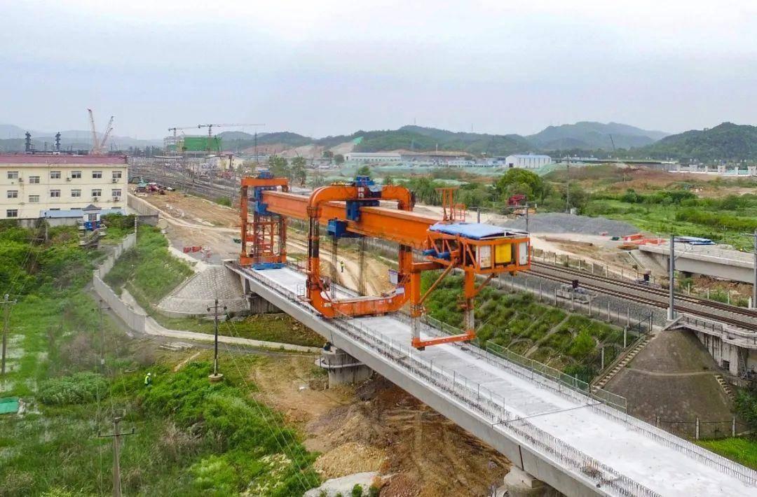 中国最长高铁将诞生,2300公里投资4200亿,惠及中国7大省份