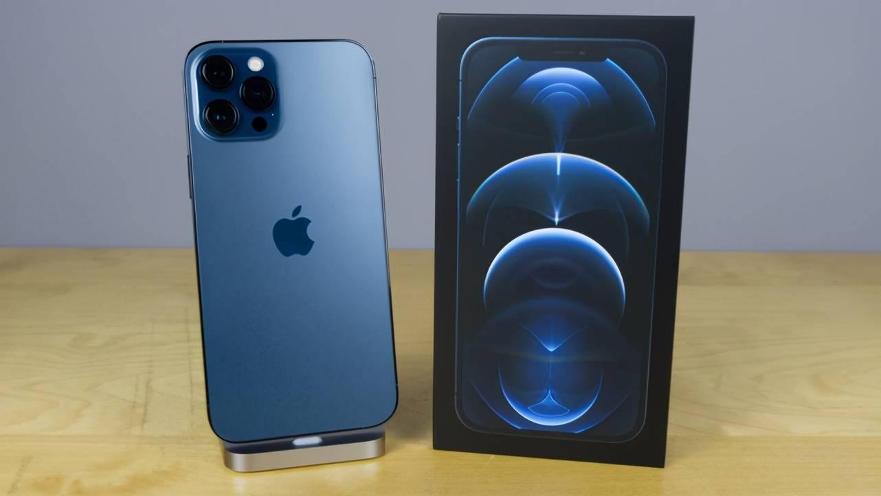 原创             iPhone12中国卖爆,余承东:是华为把份额让给了苹果!