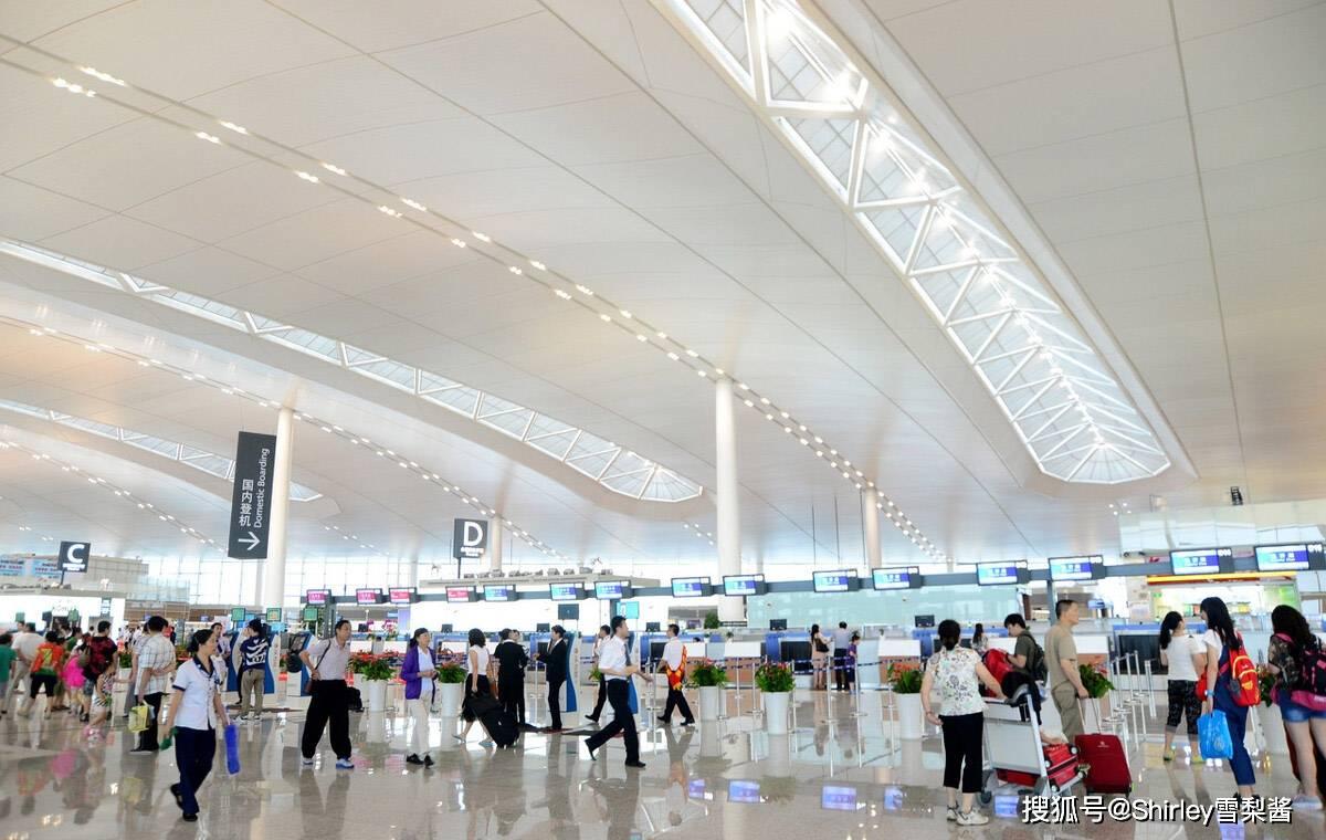 国内最远的直飞航线,单程6个半小时,超越了三亚飞哈尔滨的时间