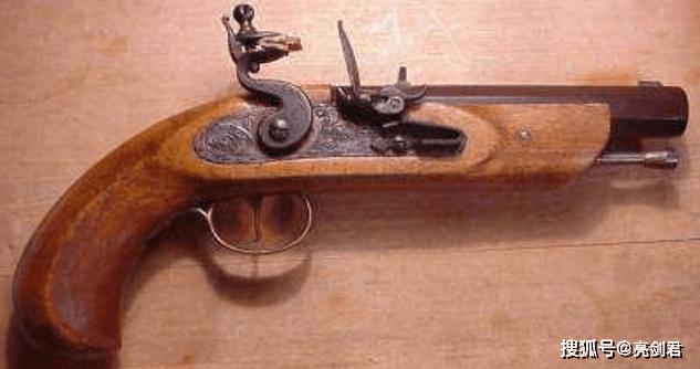 谁让铁罐头骑兵灭绝,火枪背了百年黑锅,刺刀才是真凶