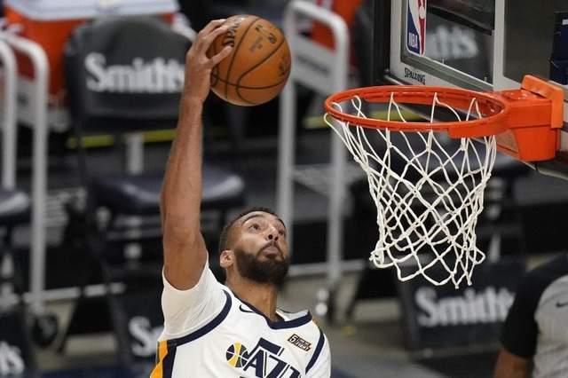 NBA官网公布新一期最佳防守球星:字母哥第四,戈贝尔力压西蒙斯