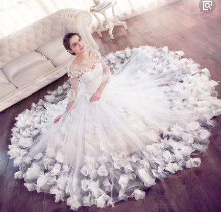 心理测试:假如你结婚,你会选择哪套婚纱?测你的恋人什么时候出现