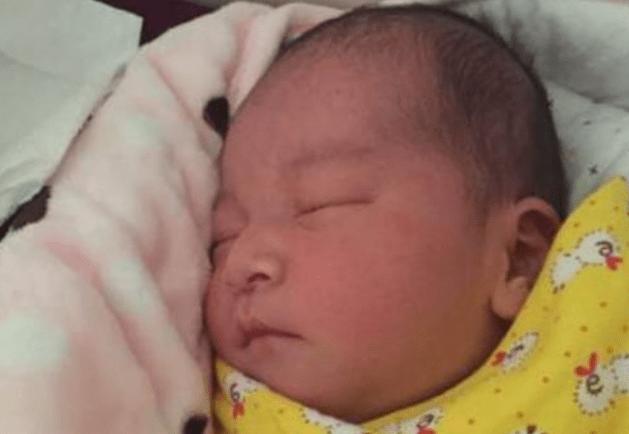 """""""宝宝在孕肚里割了双眼皮吗""""?刘丰源喜得爱"""