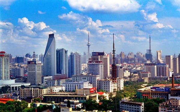 黑龙江哈尔滨和福建泉州的2021年一季度GDP谁更高?