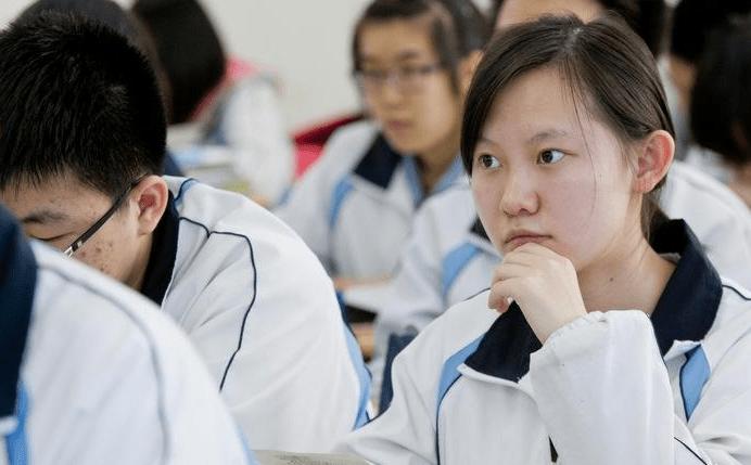 """距高考越來越近,學生該如何提升學習效率?看看這份""""高考秘籍"""""""