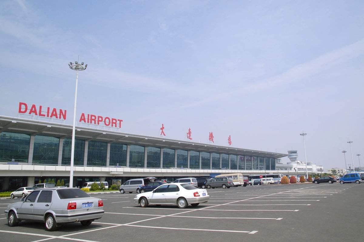 国内离市区最近的大机场,坐地铁20分钟能到市中心,已有92年历史