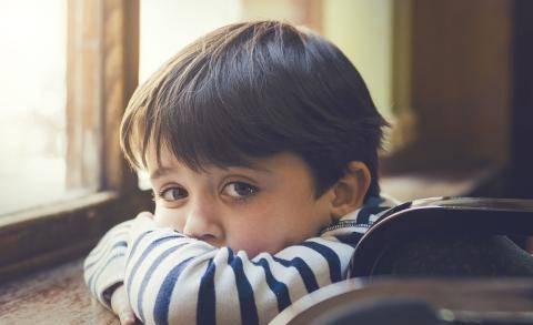 """被逼出来的""""懂事"""":孩子这2种高情商,并不值得父母沾沾自喜"""