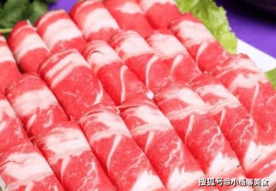 原創             飯店裡墊肉的生菜能吃嗎?大廚說出實情,不懂別亂吃