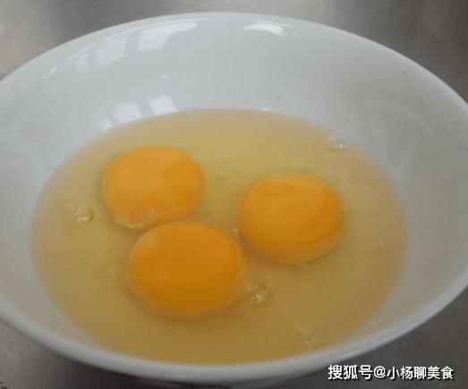 原創             雞蛋只會用油炒?教你這樣炒,不加一滴油,味道更加鮮嫩