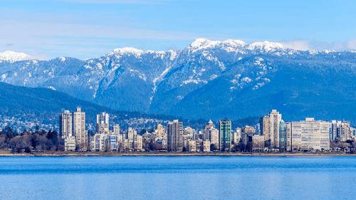 移民留学加拿大温哥华如何看中国国内电视听音乐?