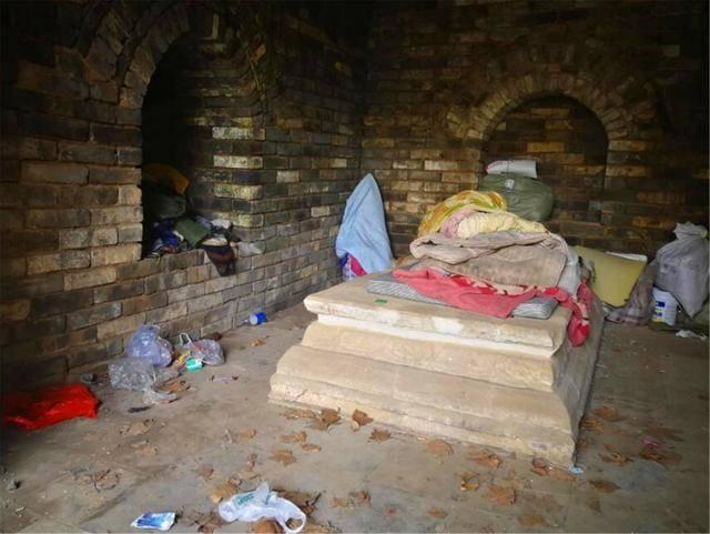 """南京发现朱元璋女儿墓,墓中有""""活人""""居住,这是怎么回事?"""
